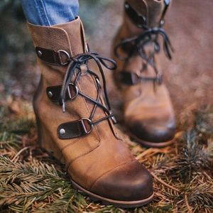 Sorel Joan of Arctic Brown Leather Heeled Boots